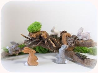 Hasen aus Filz, Jahreszeitentisch