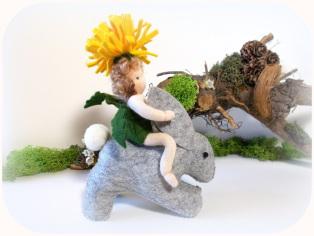 Filztier Hase Jahreszeitentisch Löwenzahn