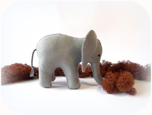 Elefant aus Filz, Weihnachtskrippe